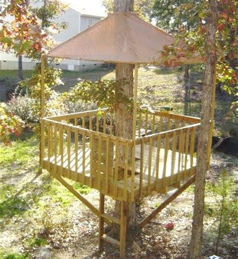 easy tree house designs 25 best ideas about simple tree house on pinterest kids tree forts diy tree house