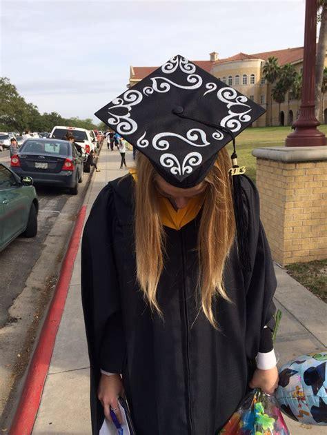 Graduation Hat Decoration by 17 Best Images About Graduation Caps On Cap D