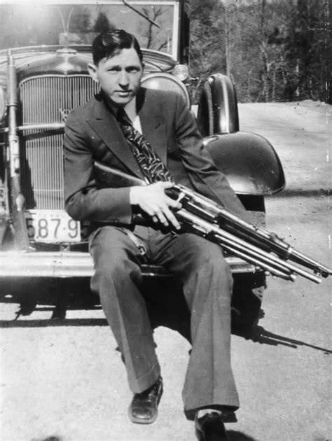 DEAN e a História de Bonnie & Clyde | •Kpop• Amino