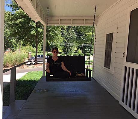 porch swing in tupelo elvis week 2015 ein exclusives and ein sanja meegin reports