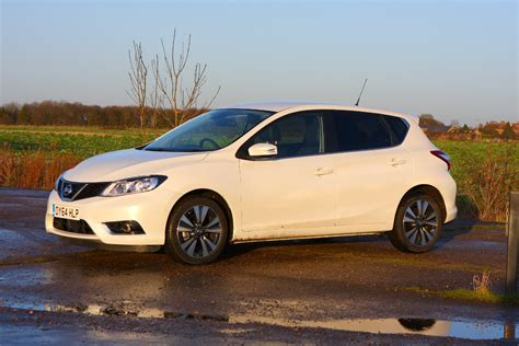 nissan pulsar nissan pulsar hatchback 2014 features equipment and