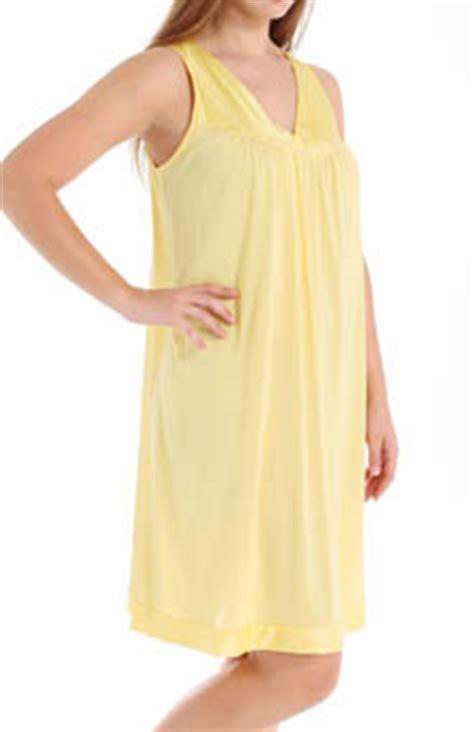Vanity Fair 72270 by Vanity Fair 30107 Coloratura Gown