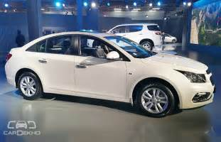 chevrolet cruze facelift showcased at auto expo 2016