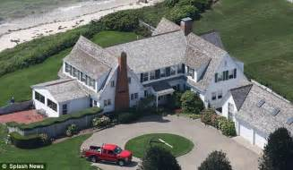 kennedy house taylor swift seals the deal on 4 8 million mansion