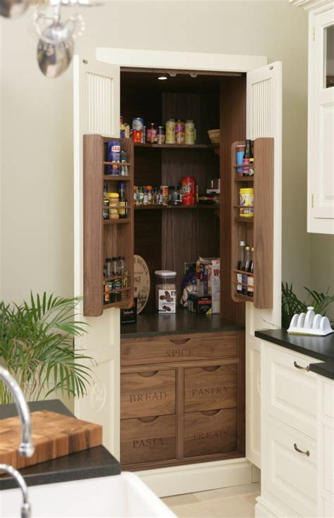 15 Handy Kitchen Pantry Designs With A Lot Of Storage Room | 15 handy kitchen pantry designs with a lot of storage room