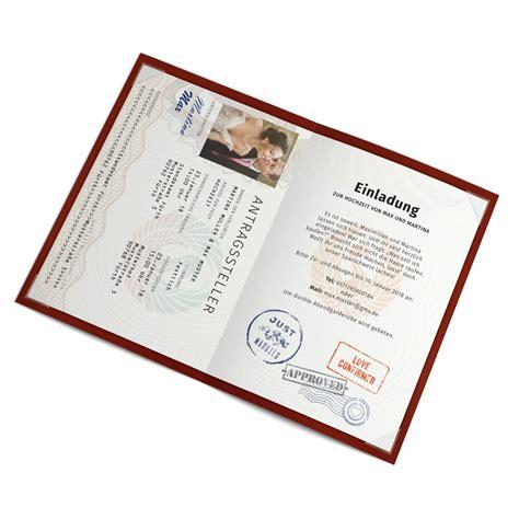 hochzeitseinladung foto hochzeitseinladungen als reisepass mit foto bestellen