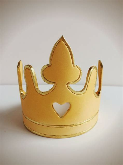 fondant crown template fondant crown tutorial and template elizabeth cakes