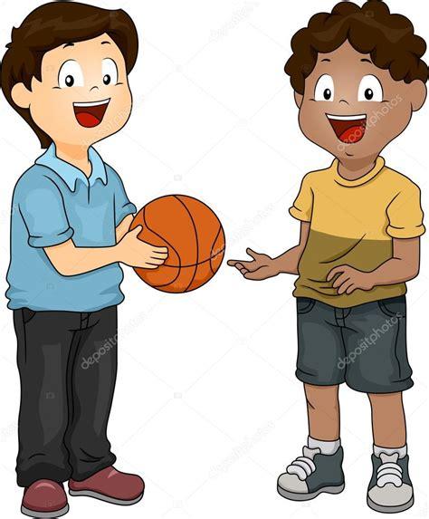 imagenes de niños jugando y compartiendo chicos compartiendo baloncesto fotos de stock 169 lenmdp