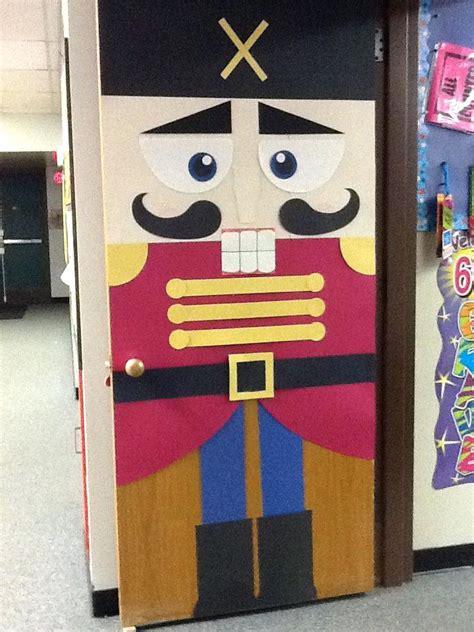 best christmas door decoration winners ideas for decorating a door contest www indiepedia org