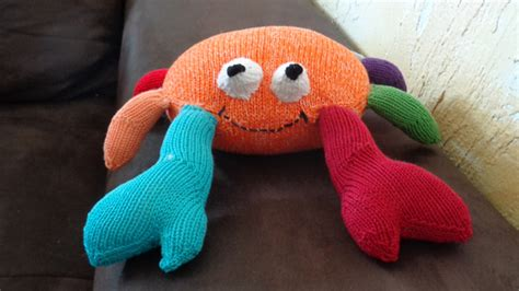 crab knitting pattern ooh crab new pattern out now mumpitz design