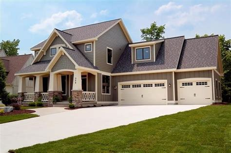 garage style homes 1000 ideas about chi garage doors on pinterest carriage