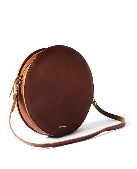 Leather Circle Brown pizza bag brown vdb