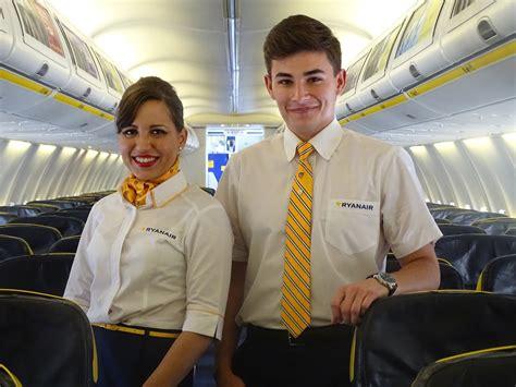ryanair cabin crew ryanair cerca nuove hostess basta un altezza di 157