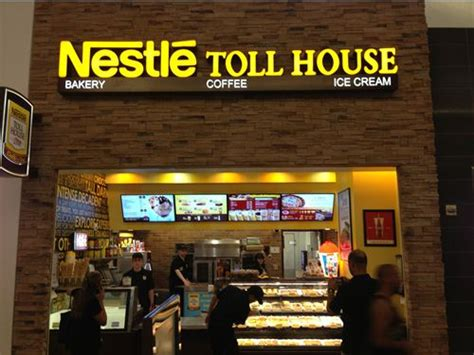 nestle toll house nestl 233 toll house caf 233 by chip franchisees double down on las vegas restaurant