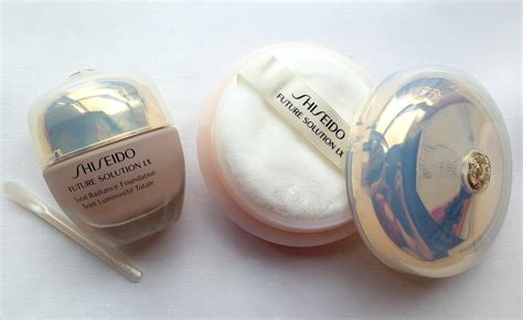 Shiseido Future Solution Powder shiseido future solution lx total radiance foundation