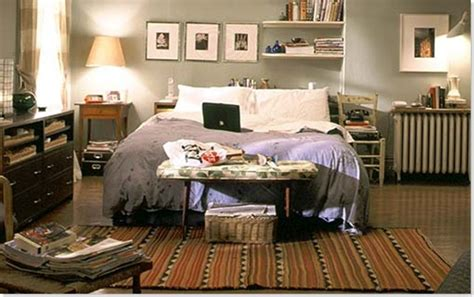 Carrie Bradshaw Bedroom by Carrie Bradshaw S Apartment Or Mirror Mirror