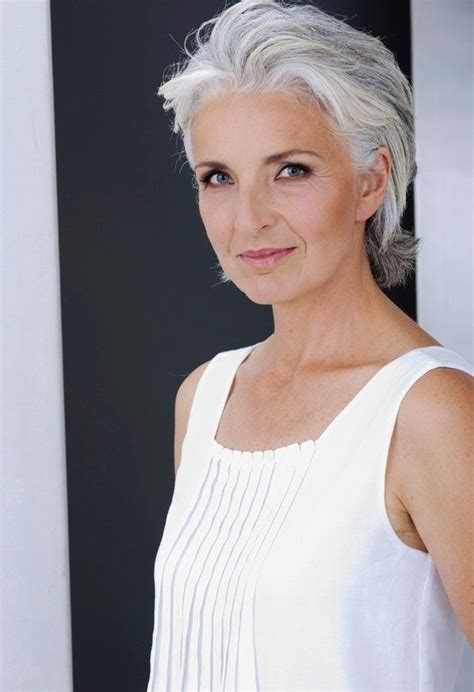 short grey hair for 40s women pinterest 25 best ideas about short gray hair on pinterest going