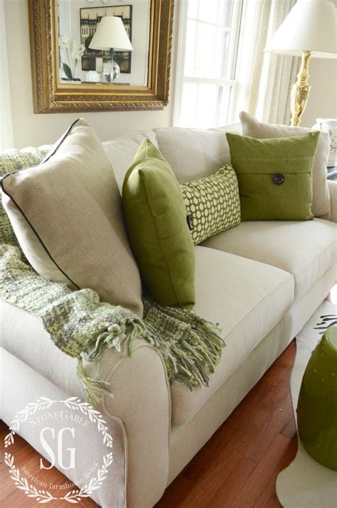 how to place pillows on a sectional 5 no fail tips for arranging pillows stonegable