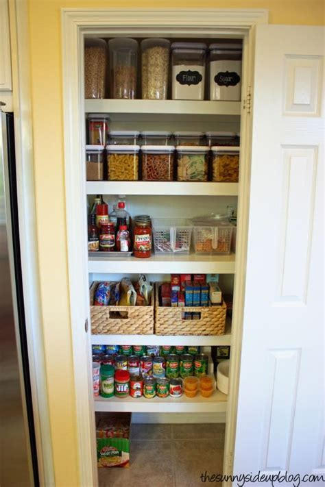 Organizing Pantry Closet by Best 25 Small Pantry Closet Ideas On Small