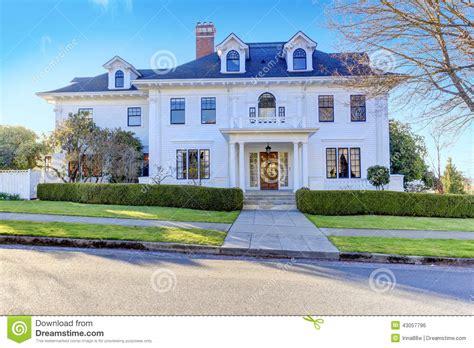 Moderne Villa by Amerikanisches Luxushaus Mit Beschr 228 Nkungsberufung