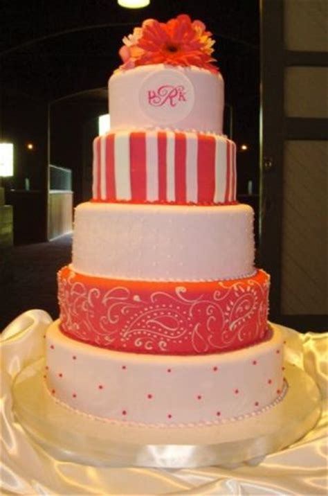 coral colors   Cakes & Cupcakes   Nashville Wedding Ideas