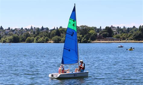 sailboat rental seattle green lake boat stand up paddle boards cafe