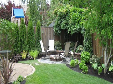 Landscaping Ideas For Backyards On A Budget Small Backyard Landscape In The Corner Back Gardens And Yards