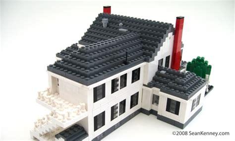 Sean Kenney   Art with LEGO bricks : Historic house