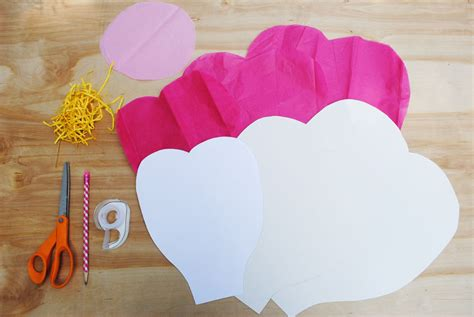 Make Big Paper Flowers - gwynn wasson designs tips hints tissue paper