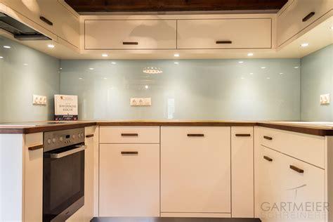 weiße kabinette granit countertops küche griffe k 252 che wei 223