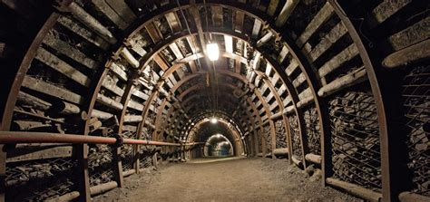 Underground Mining a review of ventilation and gas management in underground