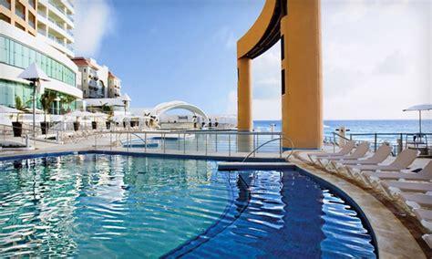 beach palace cancun  inclusive trip  airfare
