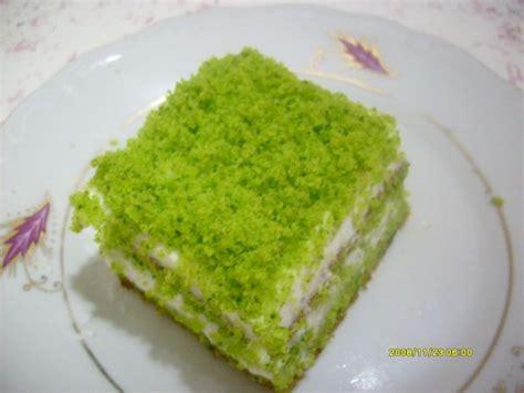 ispanakl pasta tarifimiz oktay usta yemek tarifleri ıspanaklı yaş pasta oktay usta