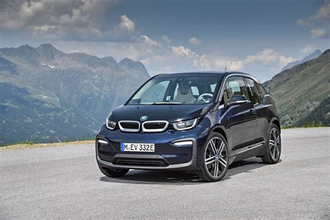 bmw i3 the new bmw i3s and i3 facelift first videos