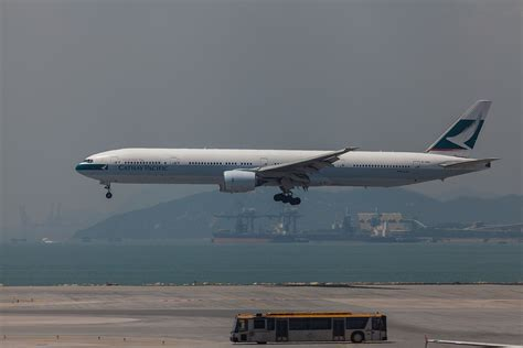 cathay pacific den frie encyklop 230 di
