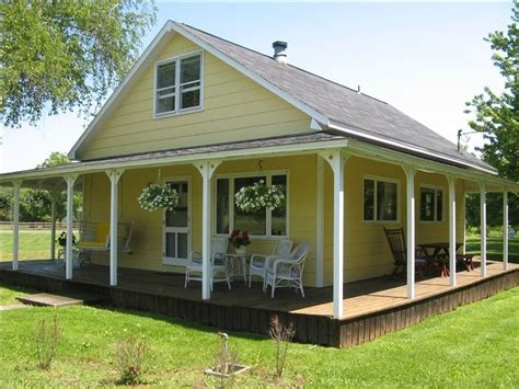 The Pad Cottage by Cottage W 2 Master Bedrooms 200 Yards Vrbo