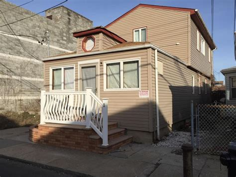 damaged nyc homes up for auction see houses in