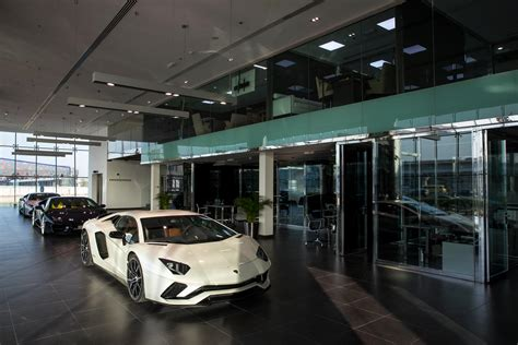 lamborghini showroom building world s largest lamborghini showroom opens in dubai
