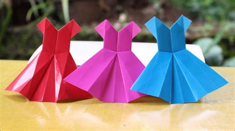 Construction Paper Origami - origami how to fold a poinsettia flower origami