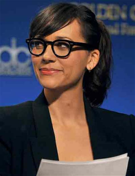 Medium Hairstyles For 50 With Glasses by 7 Best Hairstyles For 50 With Glasses