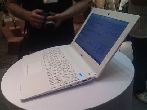 Laptop Asus Eee X101 asus eee pc x101 meego 13