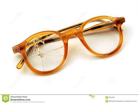 glazen len retro oude gebroken bril stock afbeelding afbeelding 5812401