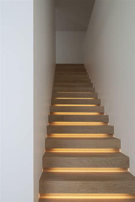 modern staircases  spectacular lighting