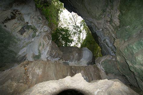 Wallpaper Cermin gua batu cermin indonesia ntt tempat wisata foto