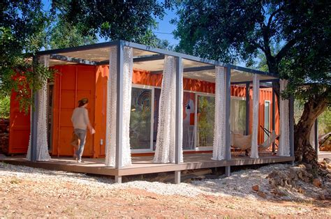Shipping Container Guest House by Nomad Living A Container Guest House Studio Arte