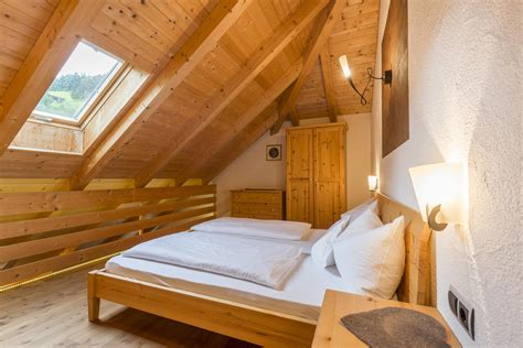 2 Bedroom Apartments by Mansarde Waldrausch Ii Appartments In The Ahrntal Mair