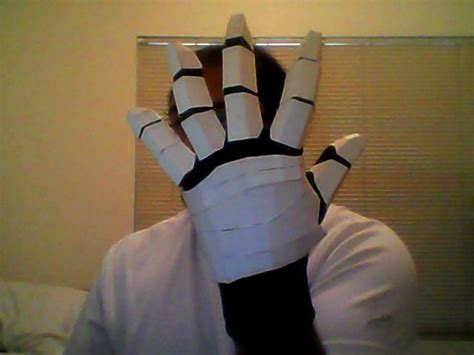 How To Make A Paper Glove - ironman gloves doo hicky its really cool