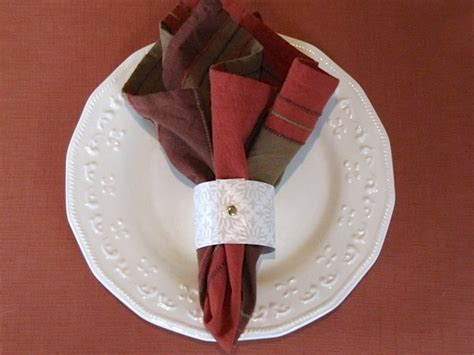 How To Make Paper Napkin Rings - sew many ways tool time tuesday napkin ring