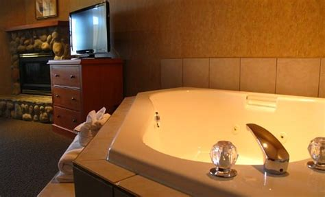 london hotels with hot tub in bedroom north carolina jacuzzi 174 suites romantic hotel rooms nc