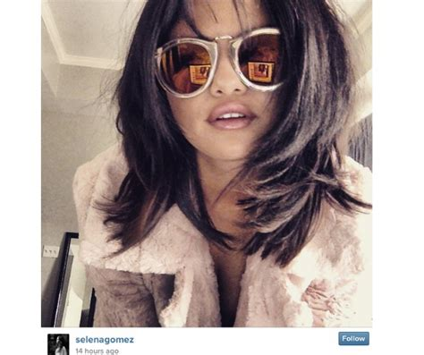 selena hairstyles games selena gomez shows off her new short hairstyle look